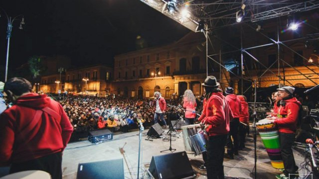 Bandita_On_Stage_Capodanno_2015_Bari-N3